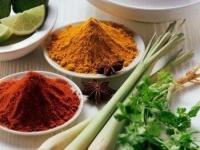 Приправы, специи, соусы, еда, польза и вред