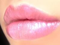 Губная помада, блеск для губ