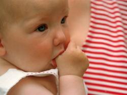 Когда отучать ребенка от груди