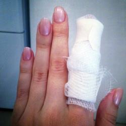 Порезал палец