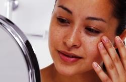 Как избавиться от пигментных пятен на лице в домашних условиях