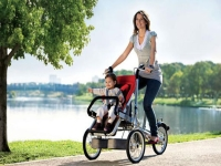 Прогулки с ребенком летом