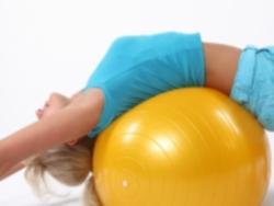 Что такое гимнастический мяч и его польза