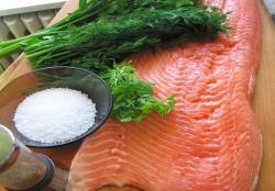 Вкусно засолить красную рыбу в домашних условиях