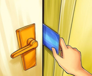 Если захлопнулась межкомнатная дверь