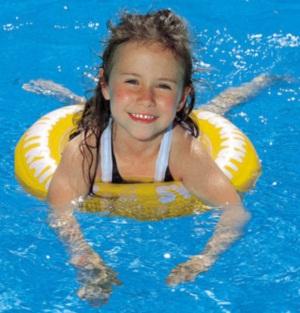Какая польза плавания для детей
