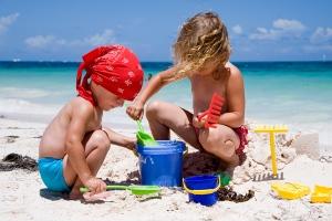 Занять ребенка на пляже