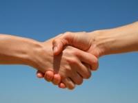 О чем говорит рукопожатие