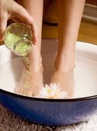 Почему отекают ноги - лечение