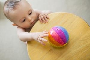 Что ребенок умеет в 11 месяцев