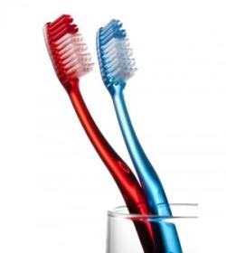 Правильно выбрать зубную щетку