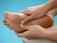 Почему болят стопы ног – что делать, как лечить