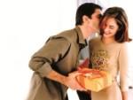 Что подарить жене на 8 марта