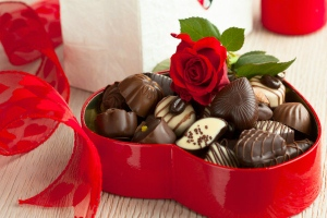 Подарок девушке на день влюбленных