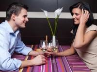 Как распознать влюбленного мужчину по его поведению