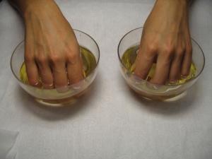 Народные средства при трещинах на коже