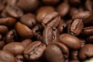Зерна кофе от запаха чеснока