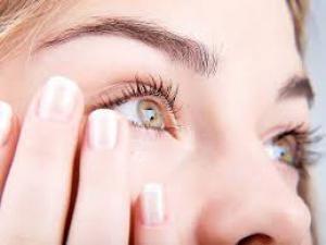 Почему чешется правый глаз