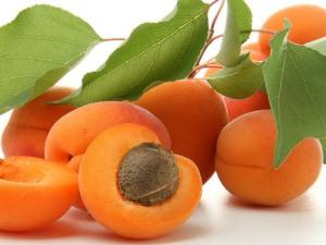 Польза абрикосов во время беременности
