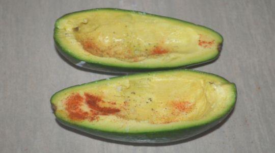 Авокадо с яйцом -4
