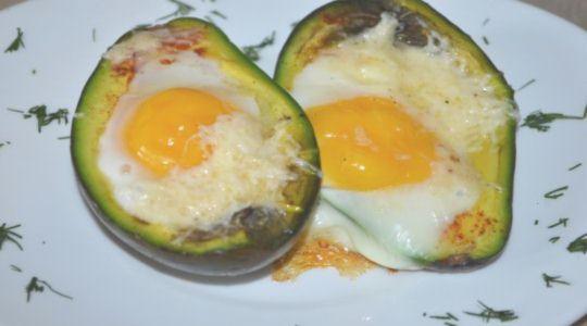 Авокадо с яйцом -7
