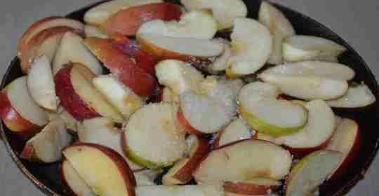 Яблочная шарлотка - простой рецепт-1