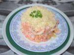 Вкусный салат из кальмаров, морковки и сыра