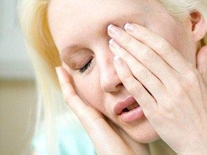 Проблемы с левым глазом