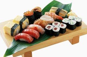 Чем отличаются роллы от суши