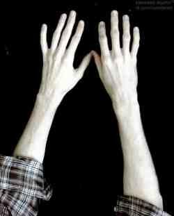 Руки среднего размера
